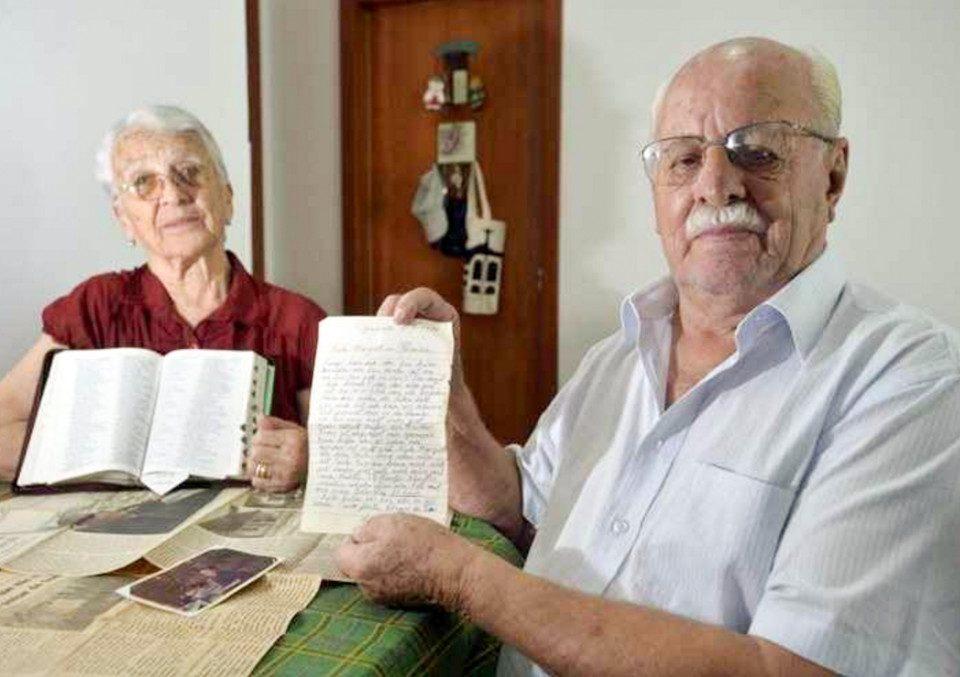 Você sabia que falar 2 idiomas protege idosos do Alzheimer?
