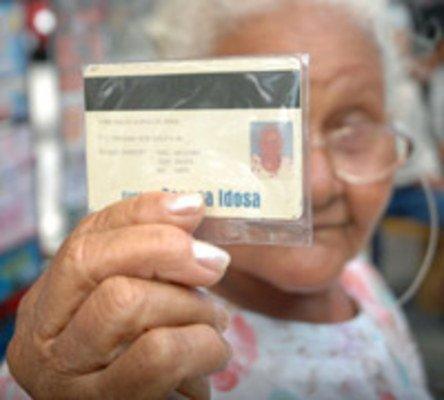 Presidente da república sanciona lei que defende prioridades para idosos acima dos 80 anos