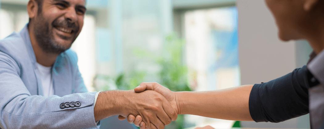 Como contratar um cuidador de idoso em Brasília
