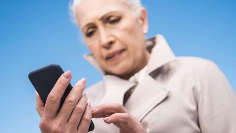 O uso de celulares para idosos