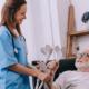 emprego de cuidador de idosos